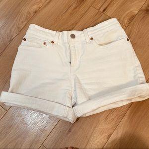 Cream off white Levi's shorts mid length cuffed